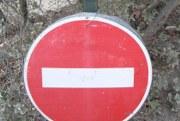 Weiterfahrt verboten auf dem Weg zu den Bories FR